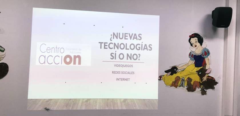 Charla en colegio Nova Híspalis sobre cómo prevenir la adicción a las nuevas tecnologías en niños y adolescentes